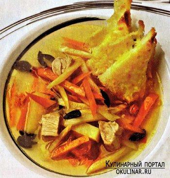 Суп из индейки с гренками